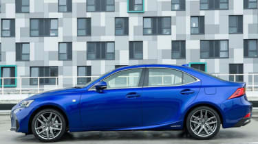 Lexus 300 H F Sport side view