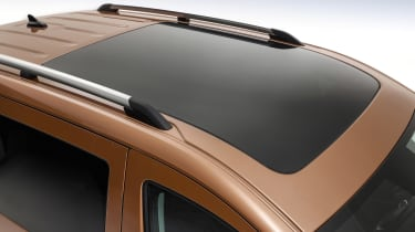 Volkswagen Caddy panoramic sunroof