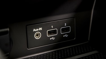 2020 Renault Captur - USB connections close up