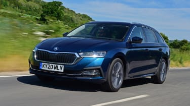 2020 Skoda Octavia Estate - front 3/4 dynamic