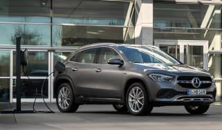 Mercedes CLA and GLA plug-ins - GLA plugged in