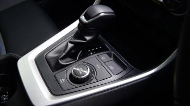 Toyota RAV4 Dynamic - gear selector