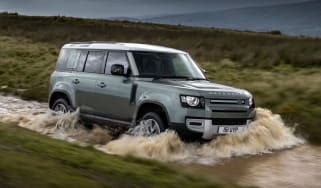2020 Land Rover Defender 110 P400e plug-in hybrid - off-roading
