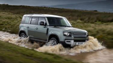 2020 Land Rover Defender 110 P400e plug-in hybrid - off-roading