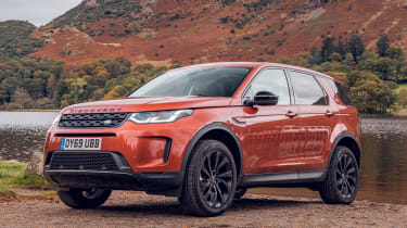 Land Rover Discovery Sport front 3/4 static