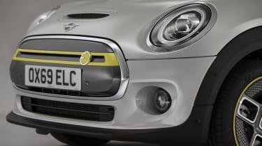 MINI Electric - front bumper/bonnet view