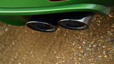 2020 Porsche Macan - exhuast