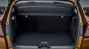 2020 Renault Captur - rear seats in place with parcel shelf