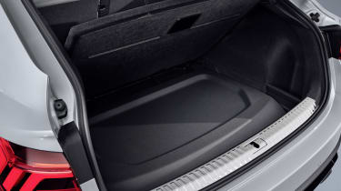 2019 Audi Q3 Sportback - rear parcel shelf storage