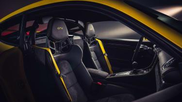Porsche 718 Cayman GT4 - seats