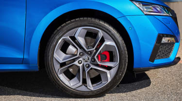2020 Skoda Octavia vRS iV Estate alloy wheel