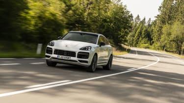 Porsche Cayenne Turbo S E-Hybrid - front 3/4 dynamic driving