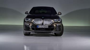 2019 BMW X6 - front head-on shot
