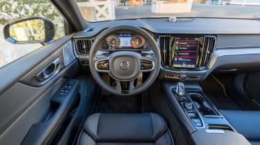 Volvo S60 T8 TwinEngine saloon steering wheel