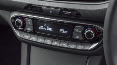 2021 Hyundai i30 - air conditioning controls