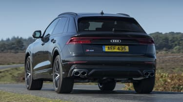 Audi SQ8 - rear 3/4 view passing