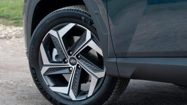 Hyundai Tucson SUV alloy wheels