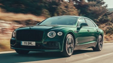 Bentley Flying Spur saloon front 3/4 tracking