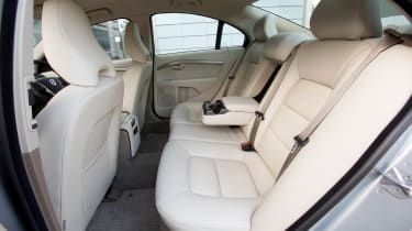 Volvo S80 - rear seating