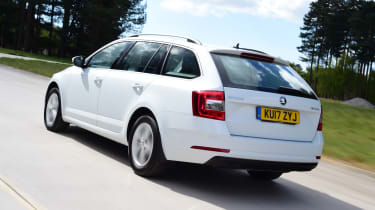 Skoda Octavia Estate - rear 3/4 tracking