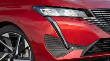 Peugeot 308 SW estate headlights