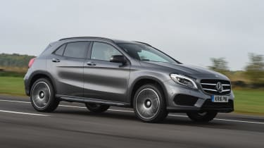 2020 Mercedes GLA (2014-2020) front 3/4 tracking