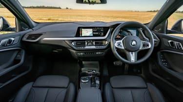 BMW 118i M Sport - interior dashboard