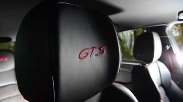 Porsche Macan SUV headrests