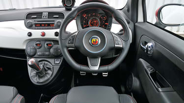 Abarth 500 - interior