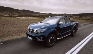 2019 Nissan Navara - front 3/4 dynamic road close angle