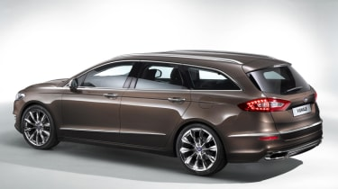 Ford Mondeo Vignale estate 2015 rear