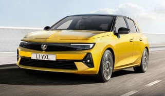 2021 Vauxhall Astra - front 3/4 driving