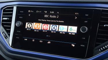 Volkswagen T-Roc R radio display