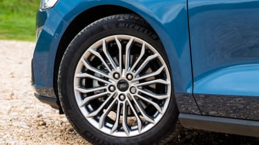 Ford Focus hatchback alloy wheels