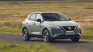 2021 Nissan Qashqai driving front