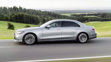 2020 Mercedes S-Class - side on view dynamic
