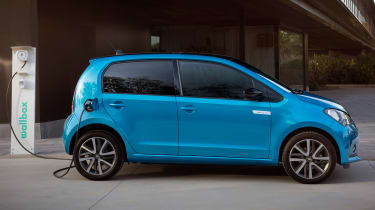 2019 SEAT Mii Electric - Side view charging