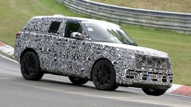 2022 Range Rover - passing view on track