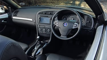 Saab 9-3 convertible - interior