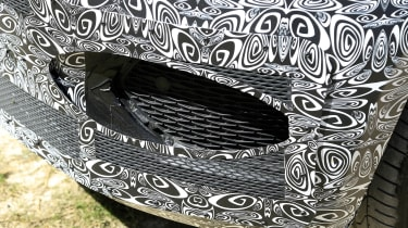 Jaguar F-Pace facelift air intake - camouflaged