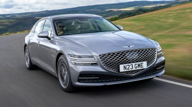 Genesis G80 saloon front tracking