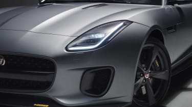 The 400 Sport gets satin grey and yellow badging on various parts of its body, including the front splitter.