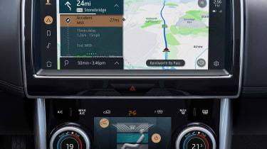 2020 Jaguar XE facelift sat nav