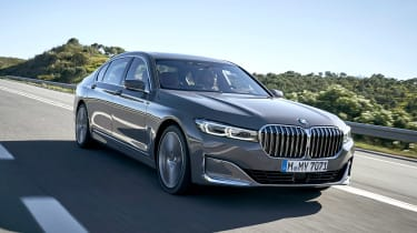 BMW 7 Series saloon front 3/4 tracking