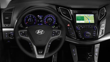 This image shows the Android Auto service in place in the Hyundai i40 saloon