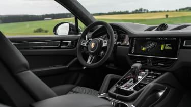 Porsche Cayenne Turbo S E-Hybrid - interior dashboard 3/4 view