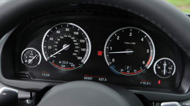 The instruments are traditional analogue dials, which are started to look dated next to some rivals with digital displays