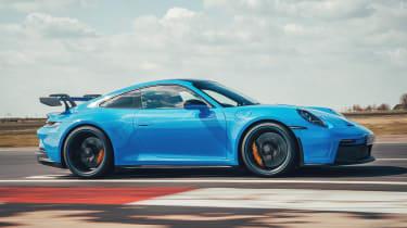 Porsche 911 GT3 side panning