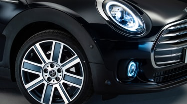 2019 MINI Clubman - front view close