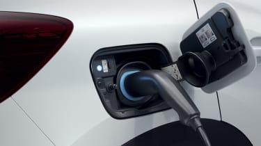 2020 Renault Captur E-Tech - Charging port